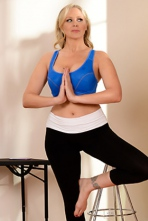 Julia Ann And Cassidy Banks  In Yoga Freaks 00