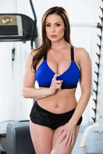 Sporty Mature Babe Kendra Lust Strips In The Gym 00