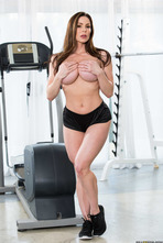 Sporty Mature Babe Kendra Lust Strips In The Gym 03