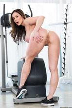 Sporty Mature Babe Kendra Lust Strips In The Gym 07