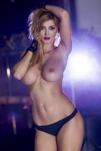 Check Today's Hot Celebrity Rosy Maggiulli! 08