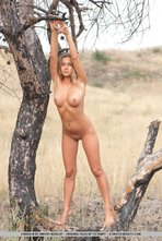 Chiara Hot Natural Beauty In The Nature 01