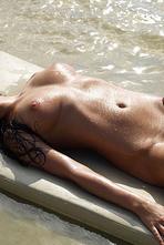 Lysa Naked Girl Posing On The Beach 07