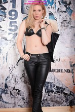 Louise Shows Off Her Tight Body In Leather Pants 07