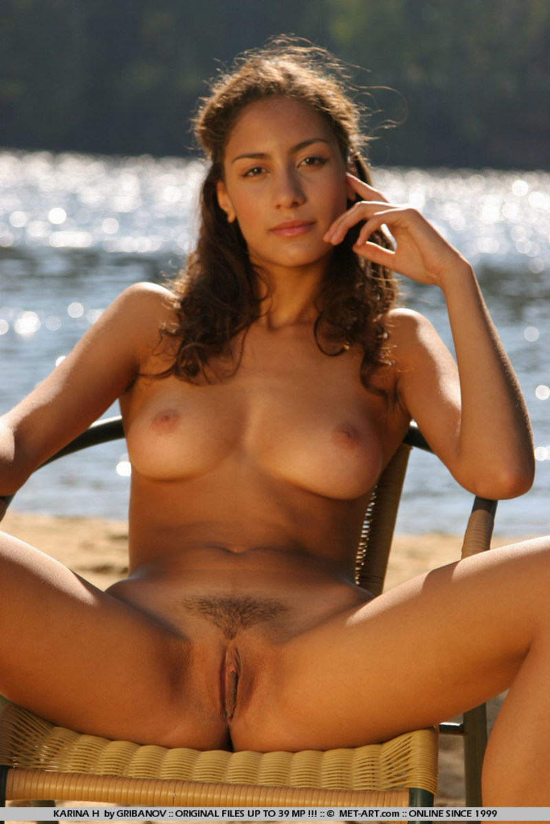 karina h nude pictures (18 / 19)
