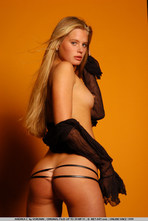 Andrea Sexy Blonde Girl Posing Naked 04
