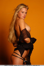 Andrea Sexy Blonde Girl Posing Naked 06