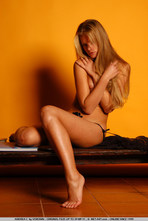 Andrea Sexy Blonde Girl Posing Naked 12