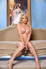 Angie Savage Hot Milf Posing Naked 13