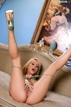 Angie Savage Hot Milf Posing Naked 16