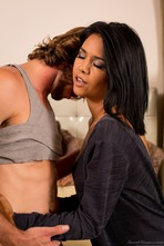 Hot Latina MILF Dana Vespoli Fucked By A Younger Guy 01