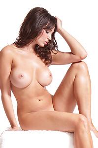 Rachelle Wilde Topless Babe