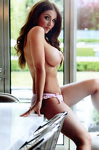 Sexy Celeb Lucy Pinder