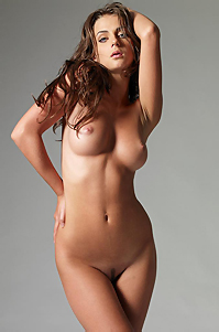 Jula Naked Girl In Studio