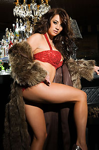 Taylor Vixen Busty Babe In Hot Lingerie