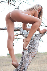 Chiara Hot Natural Beauty In The Nature