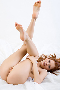 Indiana Sexy Nude Girl In Studio