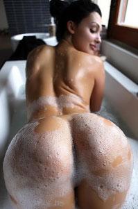 Aletta Ocean Juicy Ass