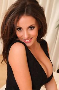 Hot Brunette Rachel