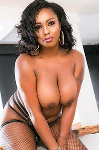 Chubby Ebony Babe Layton Benton