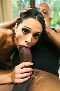 Slutty Babe Eva Long Having Interracial Anal Sex